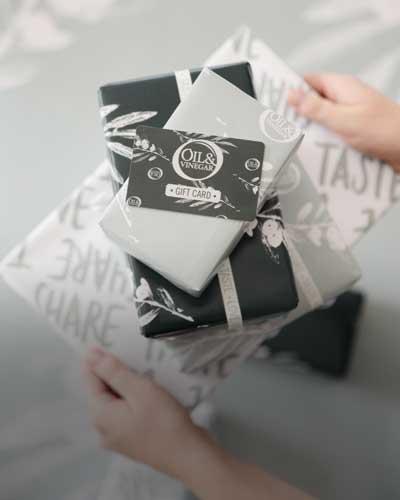 geschenkgutschein-weihnachten-oil-vinegar-geschenk-geburtstag-weihnachten-valentinstag-geschenk-für-mitarbeiter-kulinarisches-geschenk