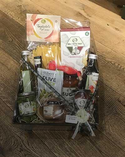 Geschenkset_Gourmetset_Geschenke_Geschenkkorb_Präsentkorb_Oil-Vinegar